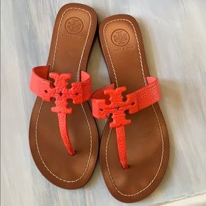 Tory Burch Moore poppy coral leather flip flop 7.5